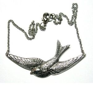 Jewelry - Silver Sparrow Necklace